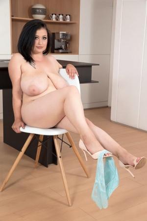BBW Mature Legs Pics