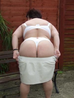 BBW Mature Undressing Pics