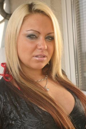 Fat Blonde Mature Pics
