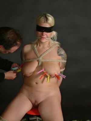 BBW Mature Blindfold Pics
