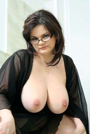 BBW Mature Nipples Pics